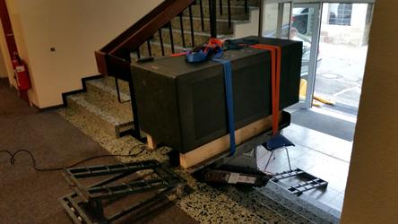 Tresor Transport über Treppen