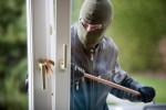Einbrecher am Fenster inStuttgart
